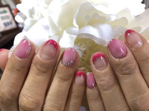 人気のピンクネイル