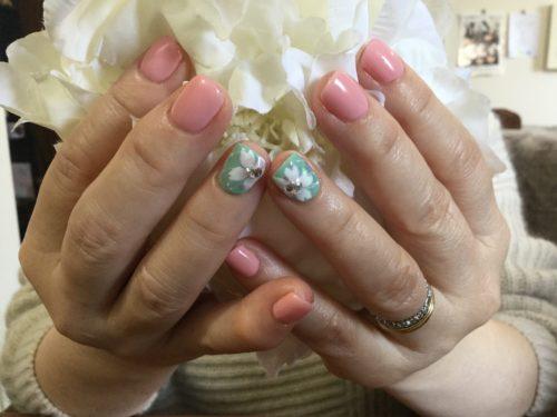 シンプルで可愛い桜ネイル